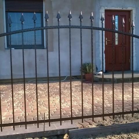 metalowe ogrodzenie gubin
