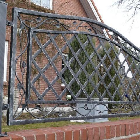artystyczne ogrodzenie metalowe